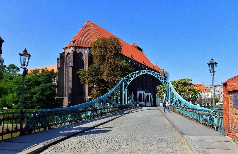 Podczas wizyty we Wrocławiu warto zwiedzić Ostrów Tumski