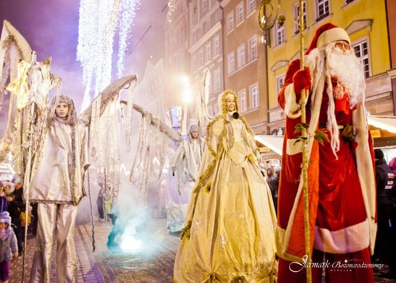 Uroczysta parada świąteczna na Rynku