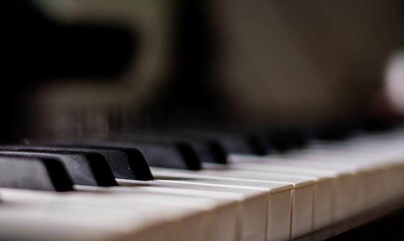 Pianino to jeden z instrumentów na którym grają artyści festiwalu Jazz nad Odrą
