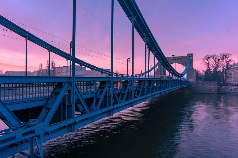 Most Grunwaldzki warto obejrzeć podczas weekendu we Wrocławiu