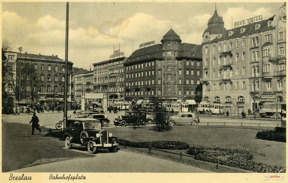 Widok na historyczny hotel Piast we Wrocławiu
